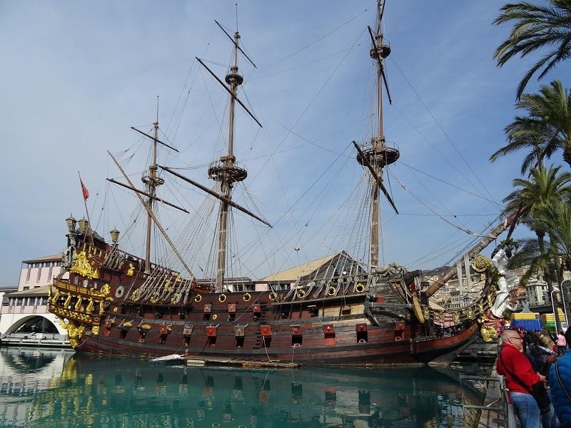 Il vascello Neptune a Genova