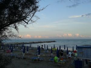 San Francesco spiaggia di sera