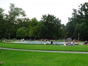 Parco piscina fontana